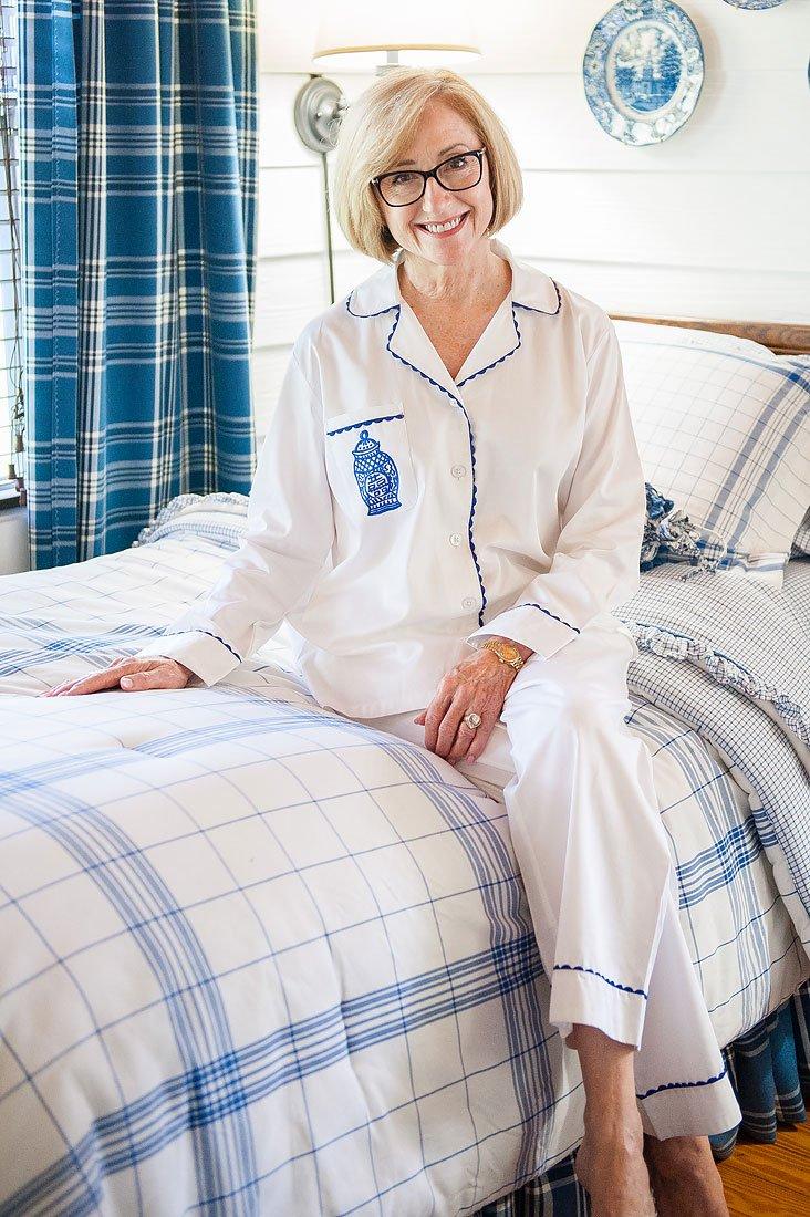 Ginger Jar White Sateen Full Pajama Set
