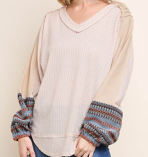 Waffle Knit Scoop Hem V-Neck Top